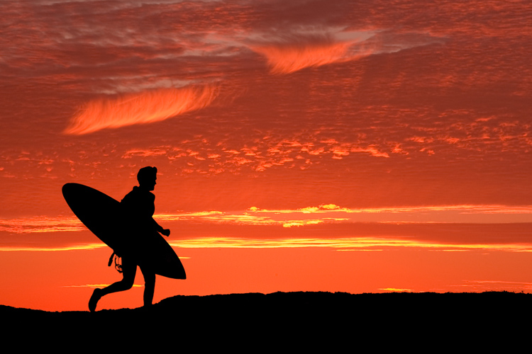 Surfing: a magical journey into the unknown | Photo: Shutterstock