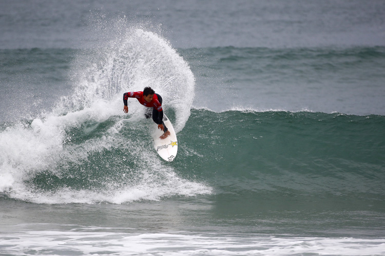 Keanu Asing: maiden CT victory in the waves of France | Photo: Poullenot/WSL