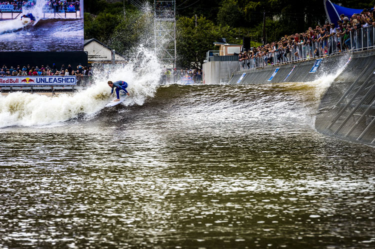 Surf Snowdonia: a man-made wave in the heart of Wales | Photo: Pignataro/Red Bull