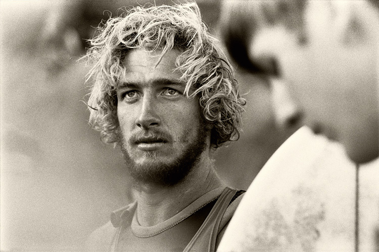 Nat Young: a surfing star of the 1960s | Photo: Albert Falzon
