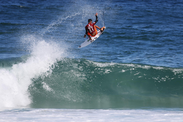 Filipe Toledo: doing what he does best | Photo: Cestari/WSL