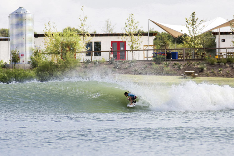 NLand Surf Park: America's first surf pool is located in Austin, Texas | Photo: