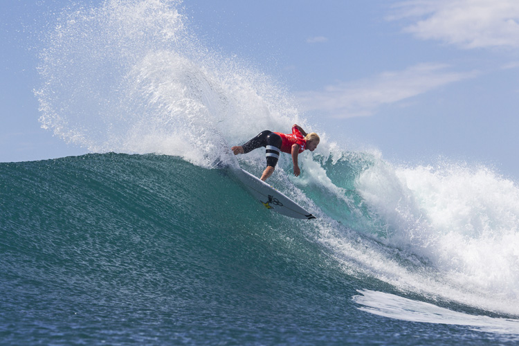 Nat Young: manufacturing spray at Lower Trestles | Photo: Rowland/WSL
