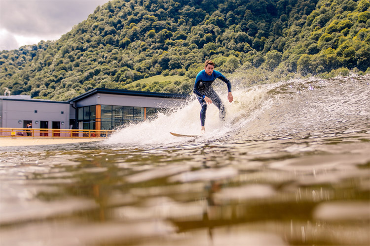 Surf pools: man-made waves for landlocked surfers | Photo: Surf Snowdonia